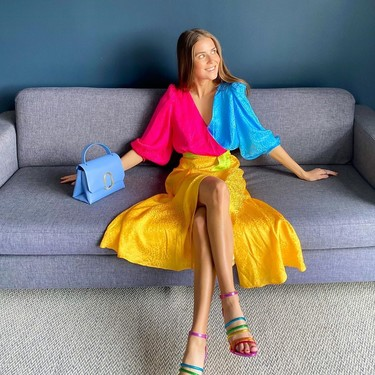 Prohibidos los looks aburridos: con estas seis sandalias arcoíris la fantasía al vestir está asegurada