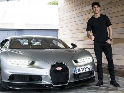 Video: Cristiano Ronaldo le da el visto bueno al primer Bugatti Chiron construido