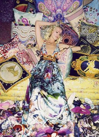 Vestidos de flores, por Eva Herzigova en Vogue París