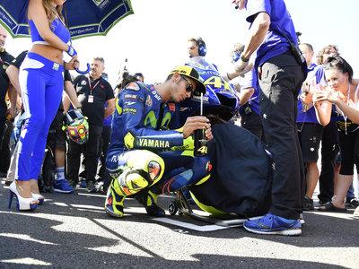 Valentino Rossi no quiere que nadie toque su moto. Viñales será la única Yamaha (al menos de momento)