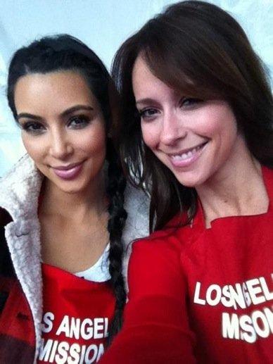 El día que Jennifer Love Hewitt, Kim Kardashian y Zoe Saldaña jugaron a las cocinitas
