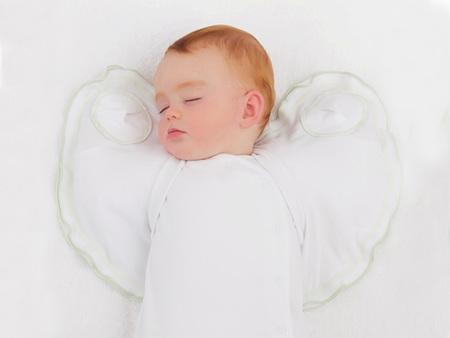 Sleepy Wings: un extraño invento para que el bebé duerma mejor