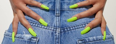Bershka apuesta por la tendencia del momento para vestir tus uñas: llegan los esmaltes neón (que podrían enamorar a Rosalía)