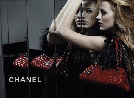 Blake Lively en la campaña de bolsos de Chanel Primavera-Verano 2011: vuelve el frío