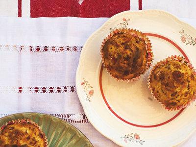 Muffins salados de jamón, manzana y queso pecorino. Receta