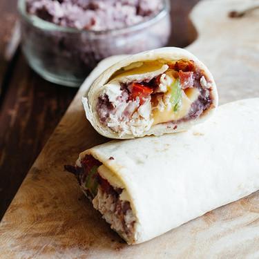 Burrito de frijol y pollo. Receta rápida