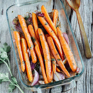 Zanahorias asadas con comino: receta ligera ideal como guarnición