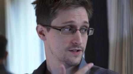 """Edward Snowden tiene un """"seguro de vida"""" en forma de documentos confidenciales, según Reuters"""