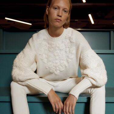 La nueva colección de Sfera nos muestra su línea casual de la mejor manera: con jerséis repletos de estilo, sencillez y originalidad