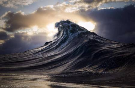 """Found at sea"", Ray Collins esculpe las olas con sus fotografías"