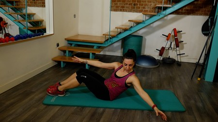pilates-oblique-roll-down
