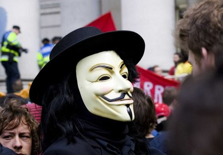 Anonymous publica ahora datos personales del presidente de la UFC