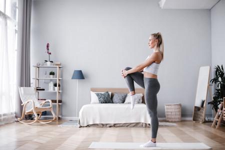 Nueve ejercicios de calistenia para entrenar en casa con tu propio peso corporal