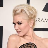 Gwen Stefani se decanta por el mono en los Grammy 2015
