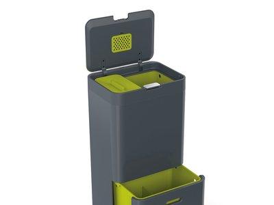 El cubo de basura con separaciones para reciclaje Joseph Joseph Totem de 60 litros está rebajado a 177,82 euros en Amazon