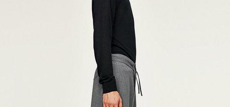 ¿Te atreves con los pantalones anchos y tobilleros de Zara?