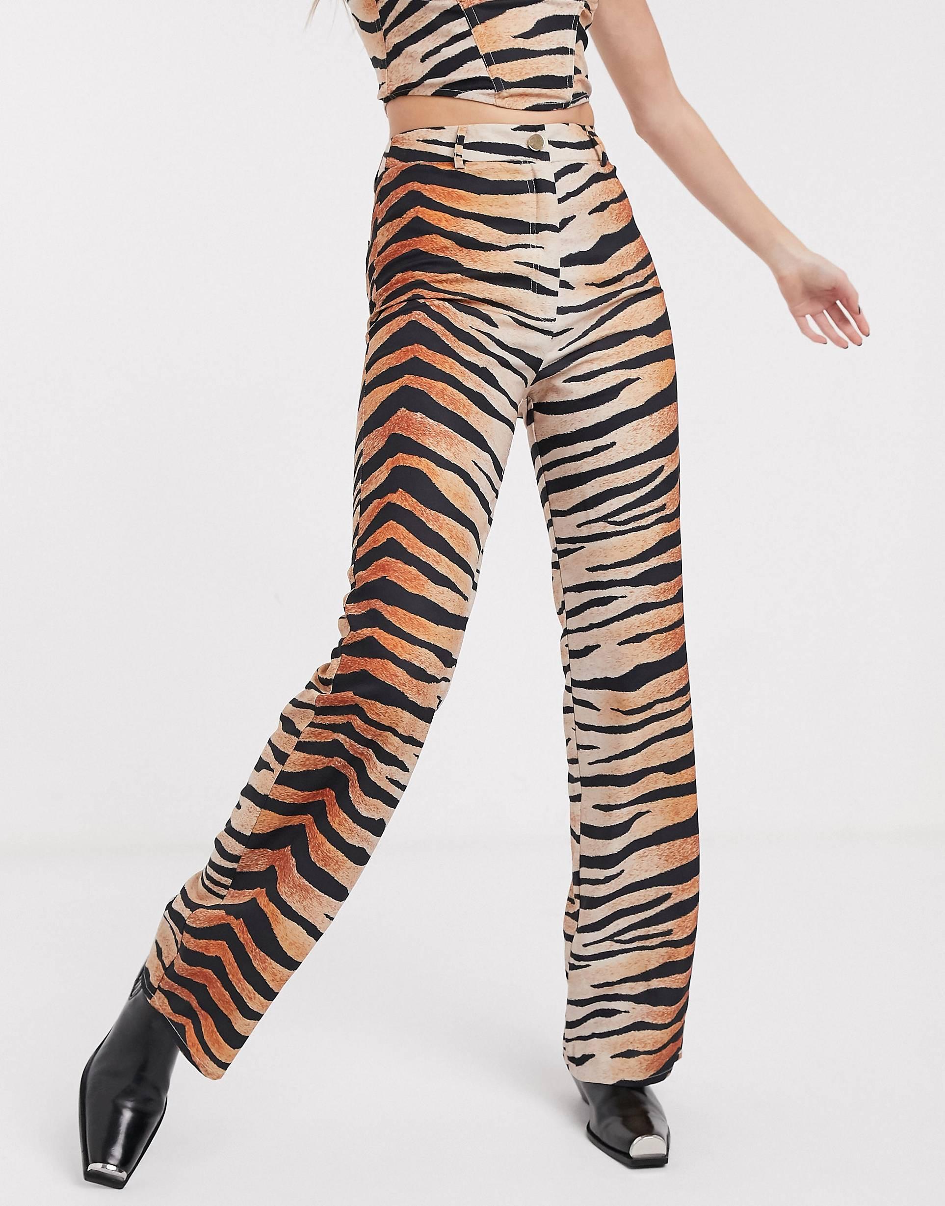 Pantalones de pernera recta con estampado de tigre de Jagger & Stone (parte de un conjunto).