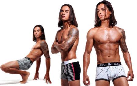 Julio Iglesias Jr. diseña una nueva colección de ropa interior para SOY Underwear