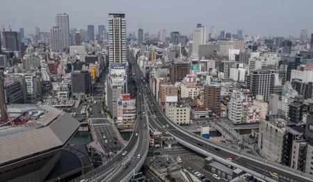 """¿Cómo solucionamos que la gente se sienta tan sola en las ciudades? Los """"terceros lugares"""""""