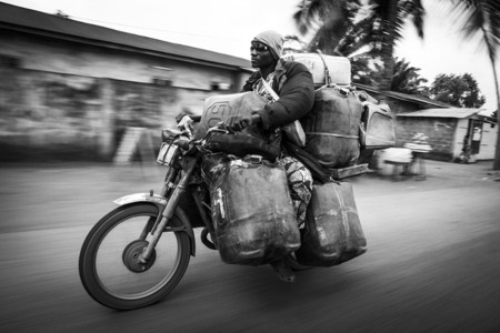 Essence Du Benin 02 Javier Corso
