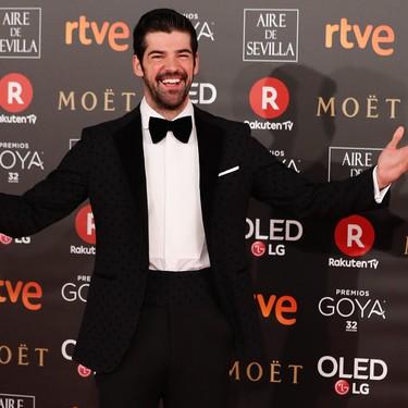 De lunares y fajín, el look de Miguel Angel Muñoz en los premios Goya 2018