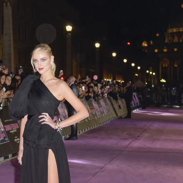 Chiara Ferragni saca su look más espectacular en la première de su película en Roma