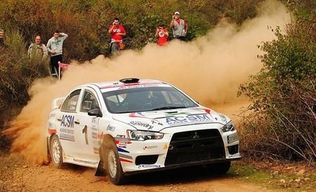 Xevi Pons se pasea en el Rallye de Tierra del Bierzo