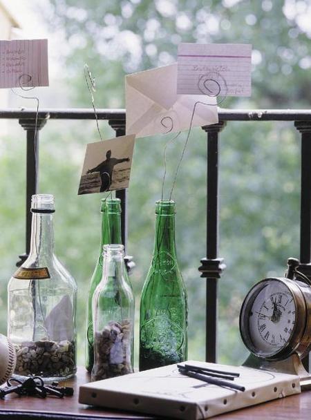 Hazlo tú mismo: portafotos con botellas y alambre