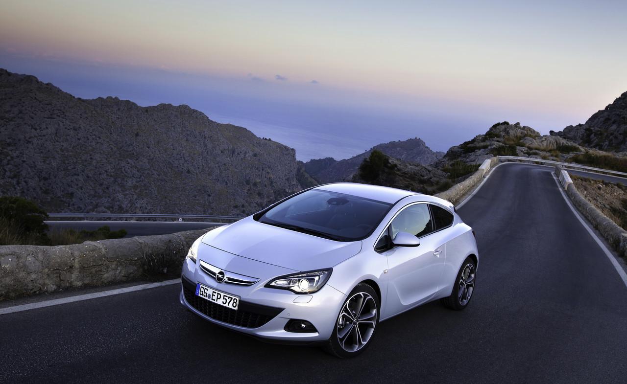 Foto de Opel Astra GTC (72/90)