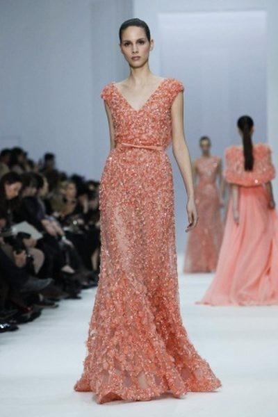 Elie Saab, entre empolvados y degradés en la París Fashion Week Haute Couture