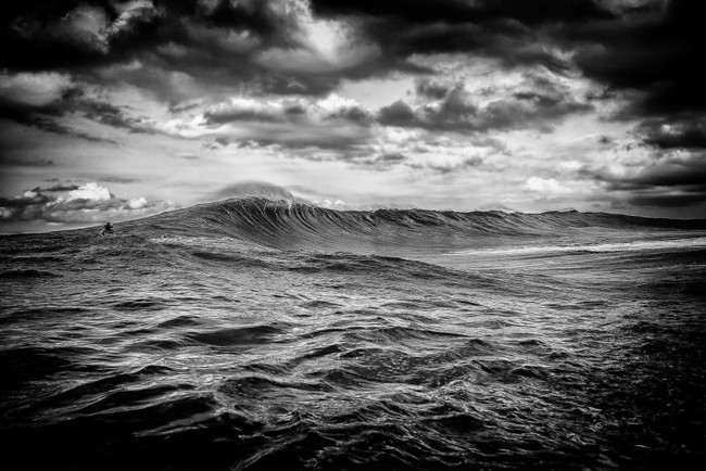 Ive Spent A Month In Hawaii Photographing Stunning Waves And Surfers 7 880