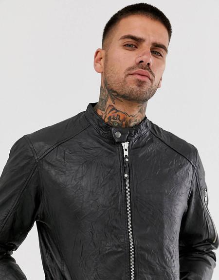 Esta chaqueta de cuero Jack&Jones es todo lo que necesitas para pasar el otoño, abrigado y con estilo, y está rebajada en ASOS a 78,99 euros