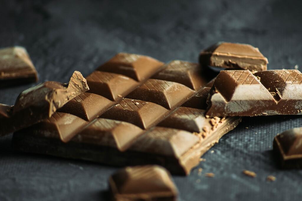 El chocolate puede ofrecer algunos beneficios, pero no podemos confirmar su efecto quemagrasa, aunque un estudio reciente lo señale