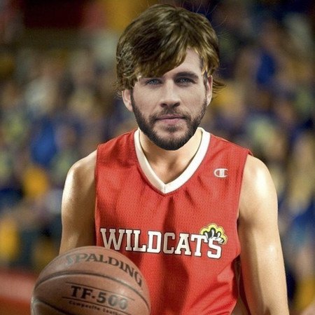 "Liam Hemsworth hace del prota de 'High School Musical' y se enamora de Gabriella (Brooks): ""na na na na, you are the music in me"""