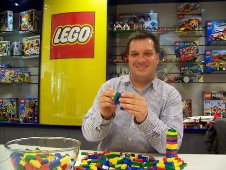 """Joachim Schwidtal de LEGO: """"todos los que trabajamos para LEGO somos un poco niños y nos encanta ser creativos"""""""