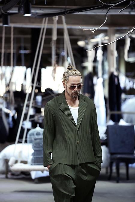 El Mejor Street Style De La Semana Adopta El Color Verde Como El Preferido Para La Transicion 05