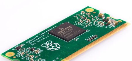 """La Raspberry Pi 3 ya está disponible en """"formato industrial"""": llegan los Compute Module 3"""