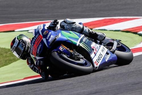 Jorge Lorenzo comienza fuerte rodando por debajo del récord de pista
