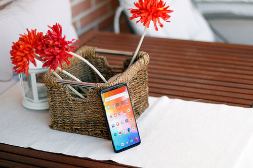 OnePlus 6 tras un mes de uso: un gama alta correctísimo en todo, pero sobre todo en su precio