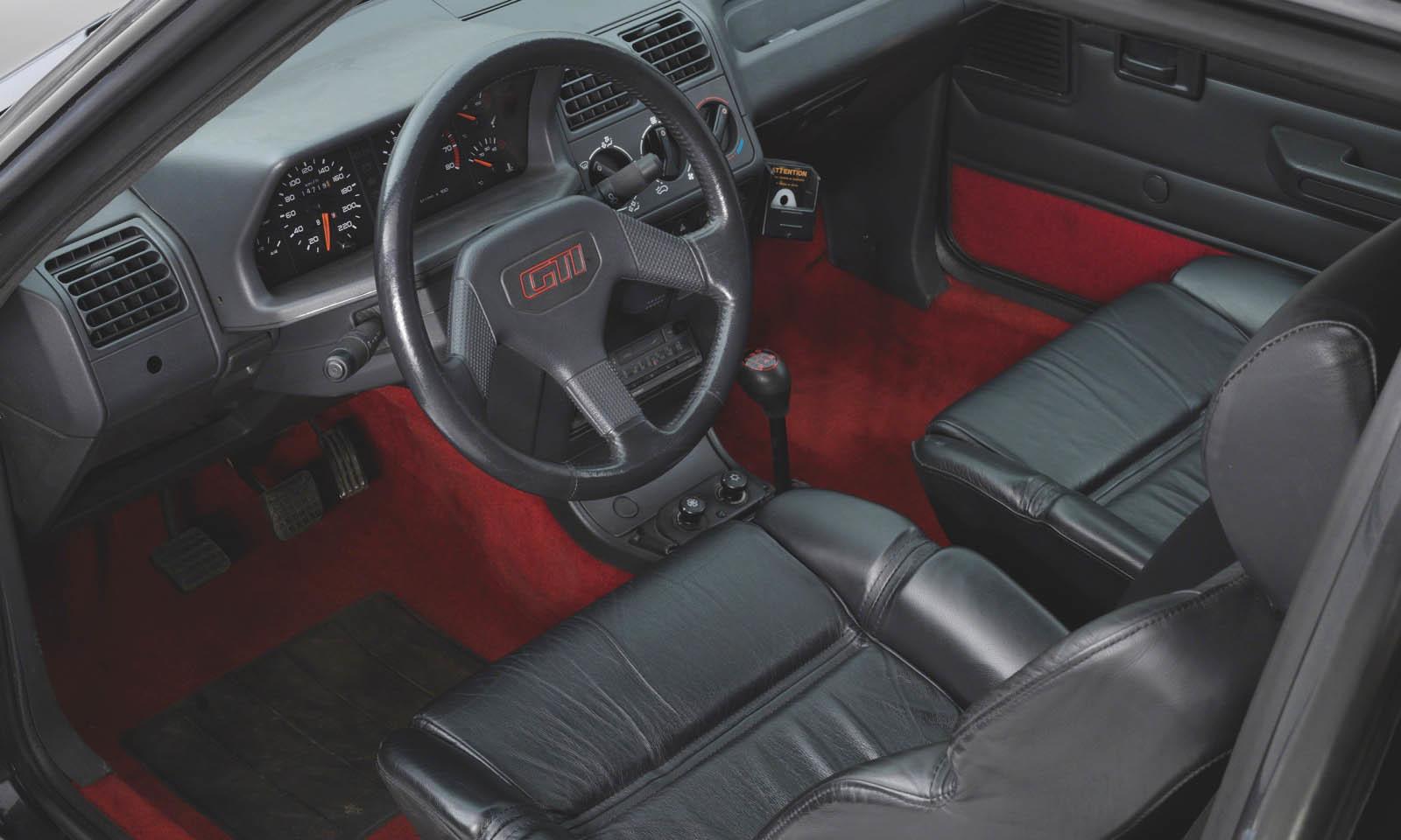 Peugeot 205 GTI 1.9 blindado ex Bernard Arnault