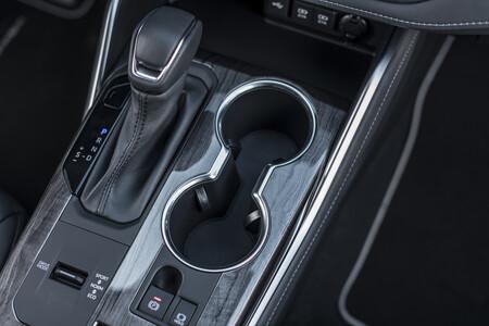 Toyota Highlander Electric Hybrid 2021 Interior 15