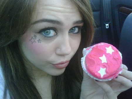 Como Miley Cyrus se nos case a mí me da algo...