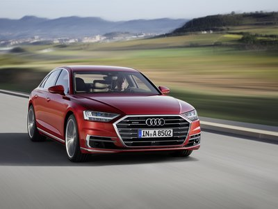 El Audi A8 es un híbrido quattro que te hace masajes mientras va en modo autónomo