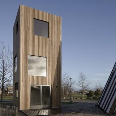 Slim Fit, una mini casa totalmente vertical con un atractivo estilo urbano