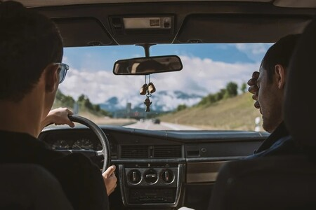 Descansar en los viajes en coche es fundamental, pero aún hay un 12% de conductores que ni se lo plantea