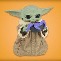 """Nuevo juguete de """"Baby Yoda"""" ya disponible para reserva en Amazon México, con movimiento, sonido y accesorios interactivos"""