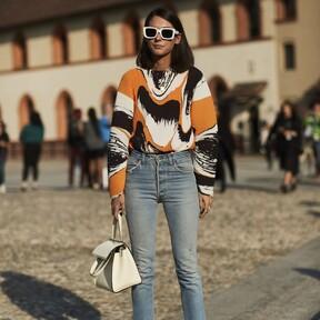 Nueve blusas para lucir con vaqueros: una combinación ganadora para un look cómodo pero formal