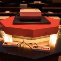 Una NES supervitaminada y conectada a 8 proyectores nos sorprende con soporte para 8 jugadores