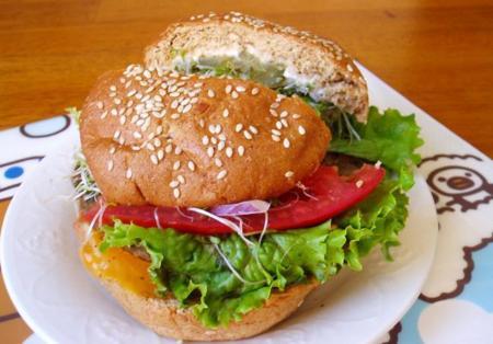 Deliciosa hamburguesa sin carne. Receta Saludable