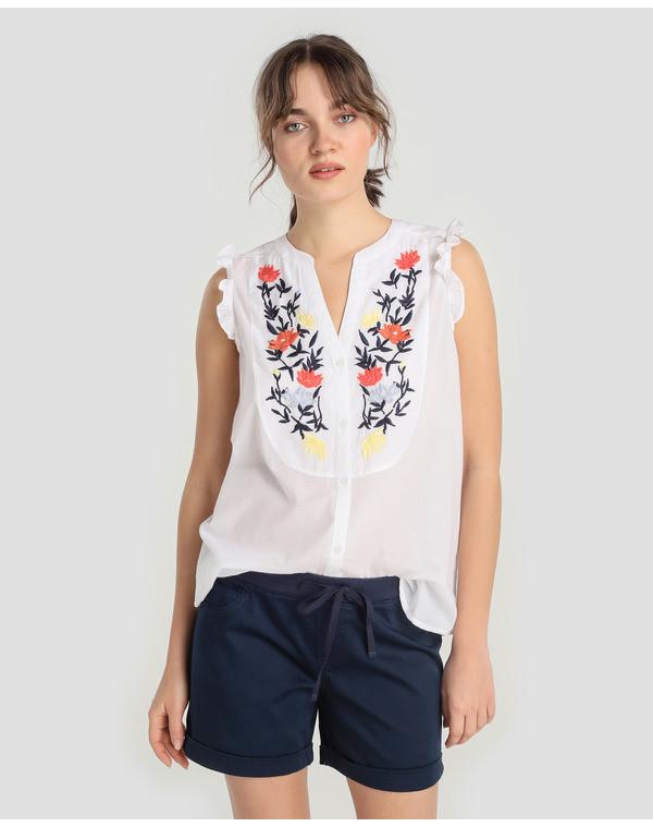 Foto de Blusas con bordados en moda UNIT (5/5)
